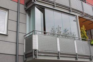 Zabudowa bezramowa balkonu copal